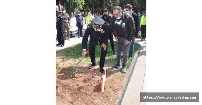 POLİS TEŞKİLATI ŞEHİTLİĞİ ZİYARET ETTİ