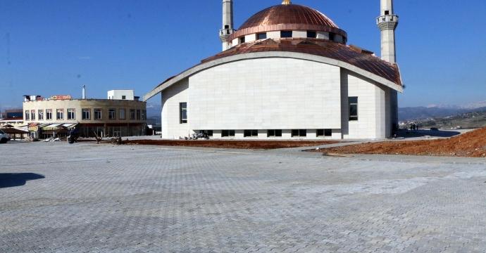 CAMİİ'DE ÇEVRE DÜZENLEMESİ YAPILDI